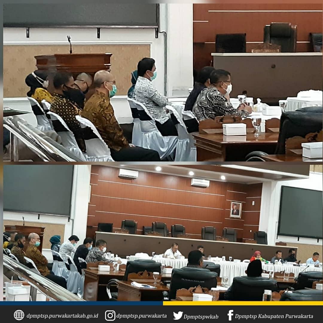 Rapat Gabungan Komisi dalam rangka Pembahasan Raperda tentang Pertanggungjawaban Pelaksanaan APBD Kab. Purwakarta TA 2019 bertempat di Ruang Rapat DPRD