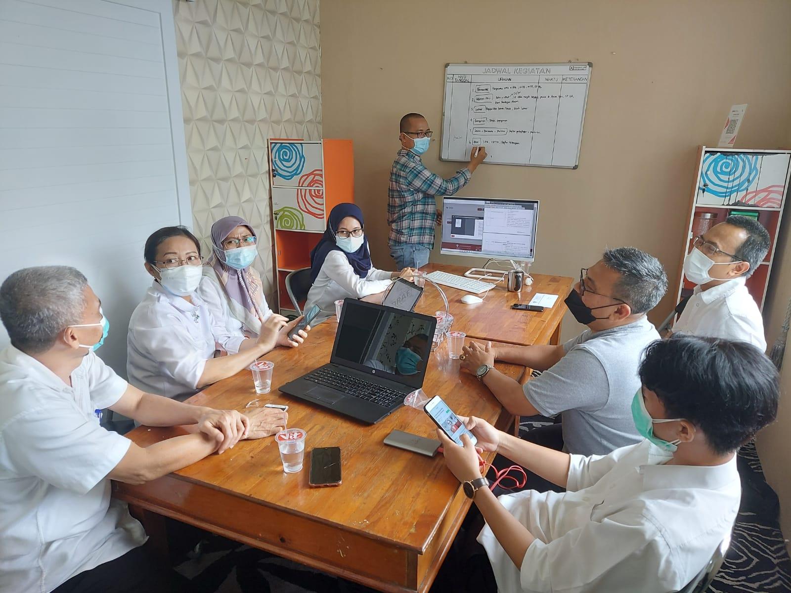 Selasa (10/08/2021) Rapat Koordinasi Implementasi OSS RBA untuk Usaha Apotek dengan Dinas Kesehatan