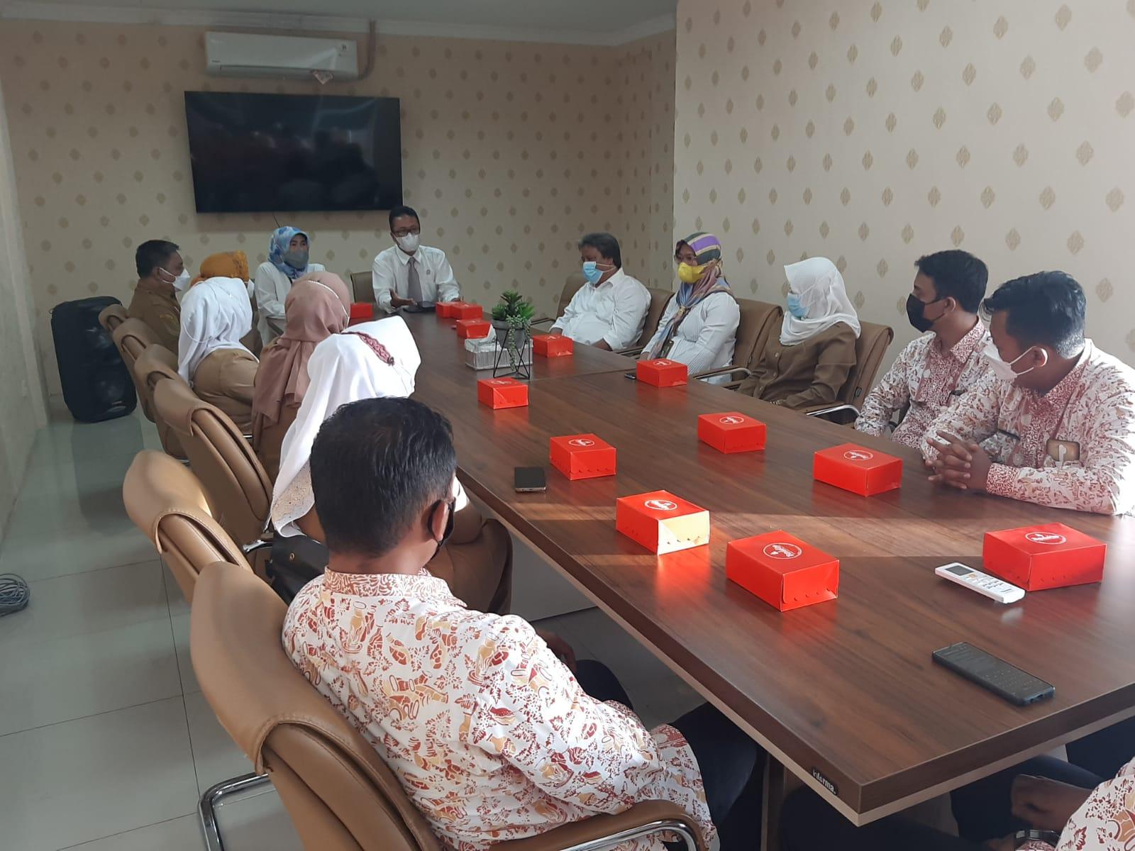 Senin (27/09/21) Pengarahan dari Ketua Pengadilan Negeri Purwakarta kepada Calon Petugas Pelayanan di Teras Madukara